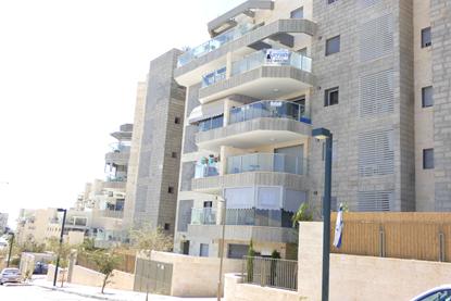 תמונה של למכירה בשכונת רמות  דירת 3 חדרים רחבעם זאבי