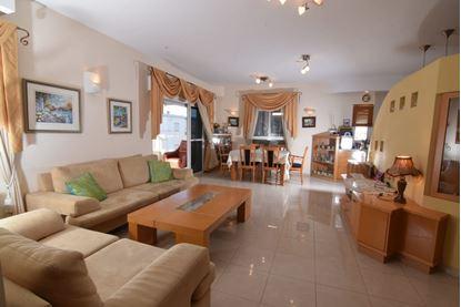תמונה של למכירה פנטהאוז - 5 חדרים ברח' אושה במוצקין הוותיקה
