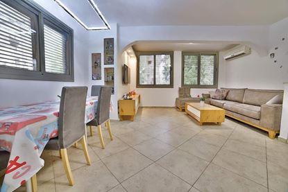 תמונה של למכירה דירת 4 חדרים ברחוב קיבוץ גלויות 29