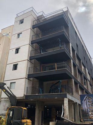 תמונה של למכירה בשכונת ארלוזורוב דירת 5 חדרים כ- 140 מטר ברחוב המעיין בגבעתיים