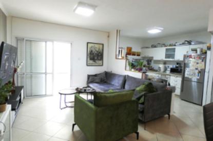 תמונה של למכירה דירת גן 3 חדרים בשכונת רמות ברחוב נחום שריג