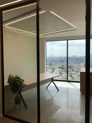 תמונה של להשכרה משרד ברסיטל מנחם בגין 156 תל אביב