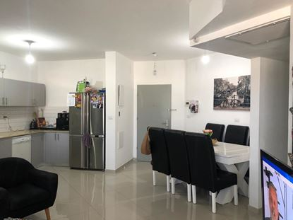 תמונה של למכירה דירת 4 חד' בשכונת רובע יזרעאל