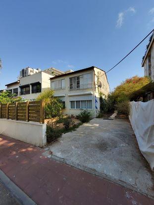תמונה של למכירה בשכונת הבילויים דירת 3.5 חדרים ברחוב אינשטיין ברמת גן